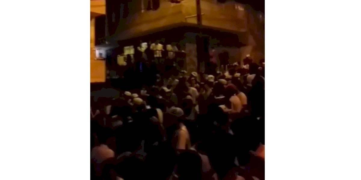 (Video) Más de 500 personas participaron de una fiesta callejera y sin tapabocas