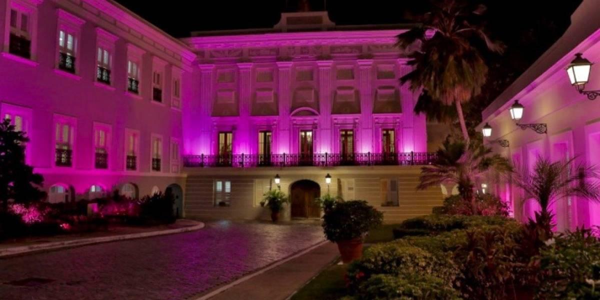 La Fortaleza se ilumina de rosa por el Cáncer de Mama