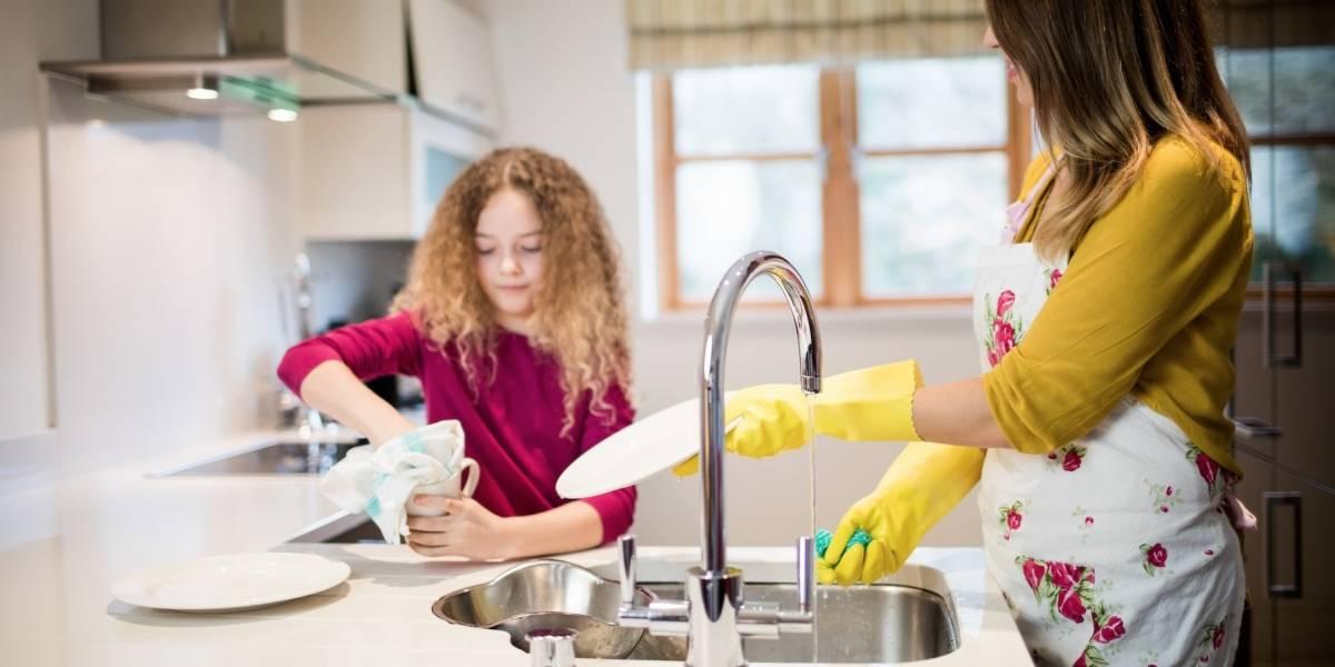 8 passos para lavar a louça de forma fácil e rápida