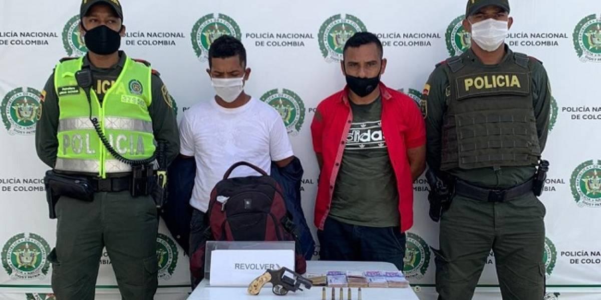 Capturaron a dos ladrones en caso de fleteo y hurto de 24 millones de pesos a una mujer
