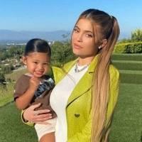 Hija de Kylie Jenner, Stormi, asiste al preescolar con una mochila Hermes de 10 mil dólares