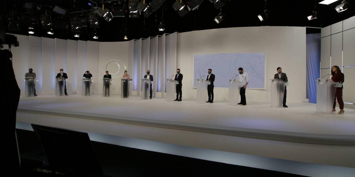 Candidatos dão largada ofensiva no primeiro debate em São Paulo