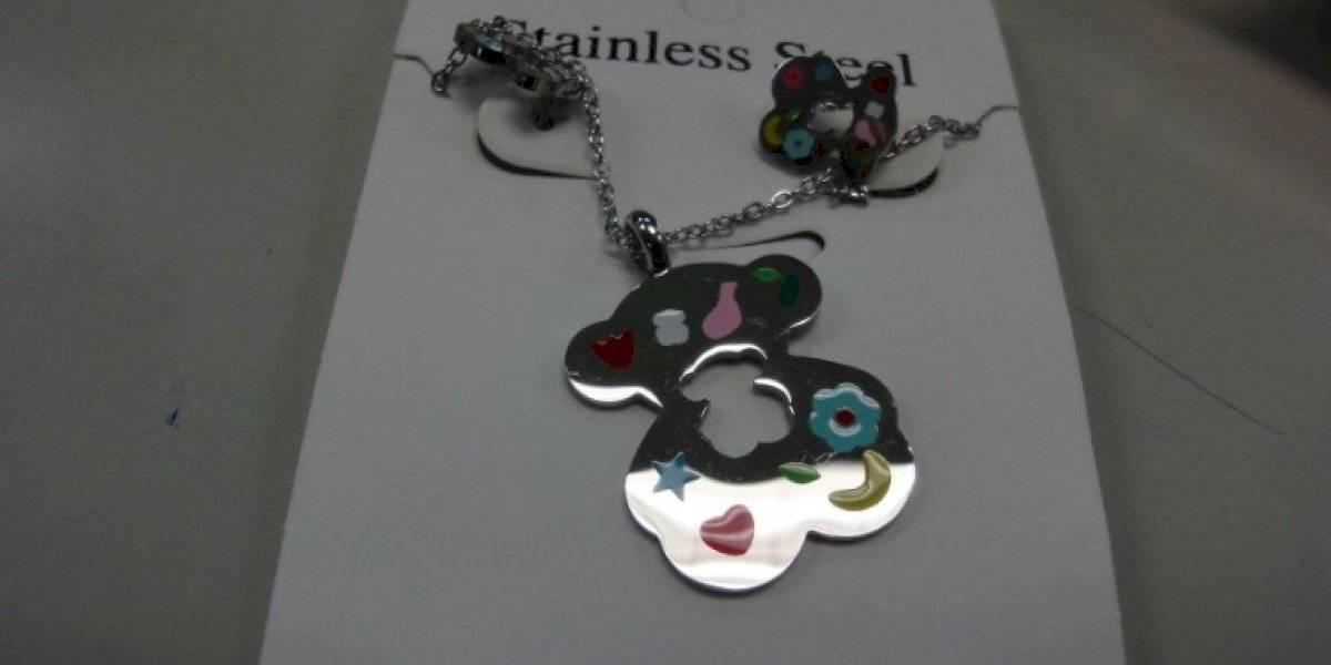 Autoridades incautan varios paquetes con mercancía falsificada como joyas y relojes