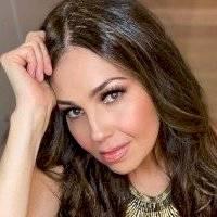 Thalía abre su clóset y muestra sus prendas más queridas