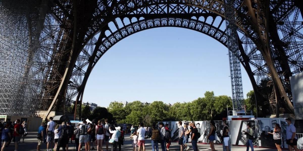 """Declaran """"zona de alerta máxima"""" en París: vuelven las restricciones desde el martes"""