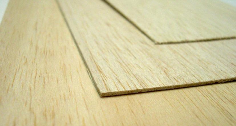 La madera de balsa se utilizaría como base para la madera transparente.