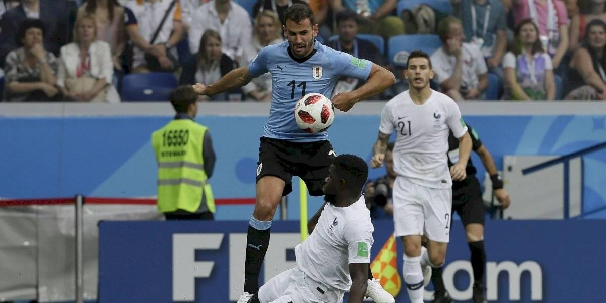 Nueva baja en Uruguay: perdió a otro de sus goleadores para enfrentar a Chile