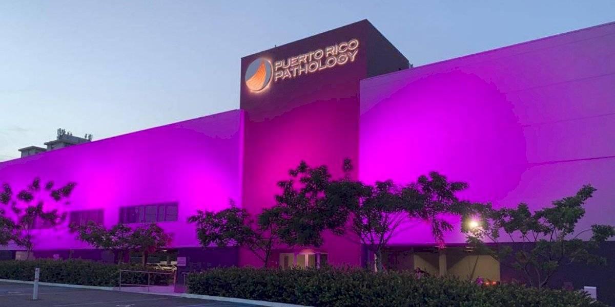 Puerto Rico Pathology se viste de rosa en su lucha contra el cáncer de seno