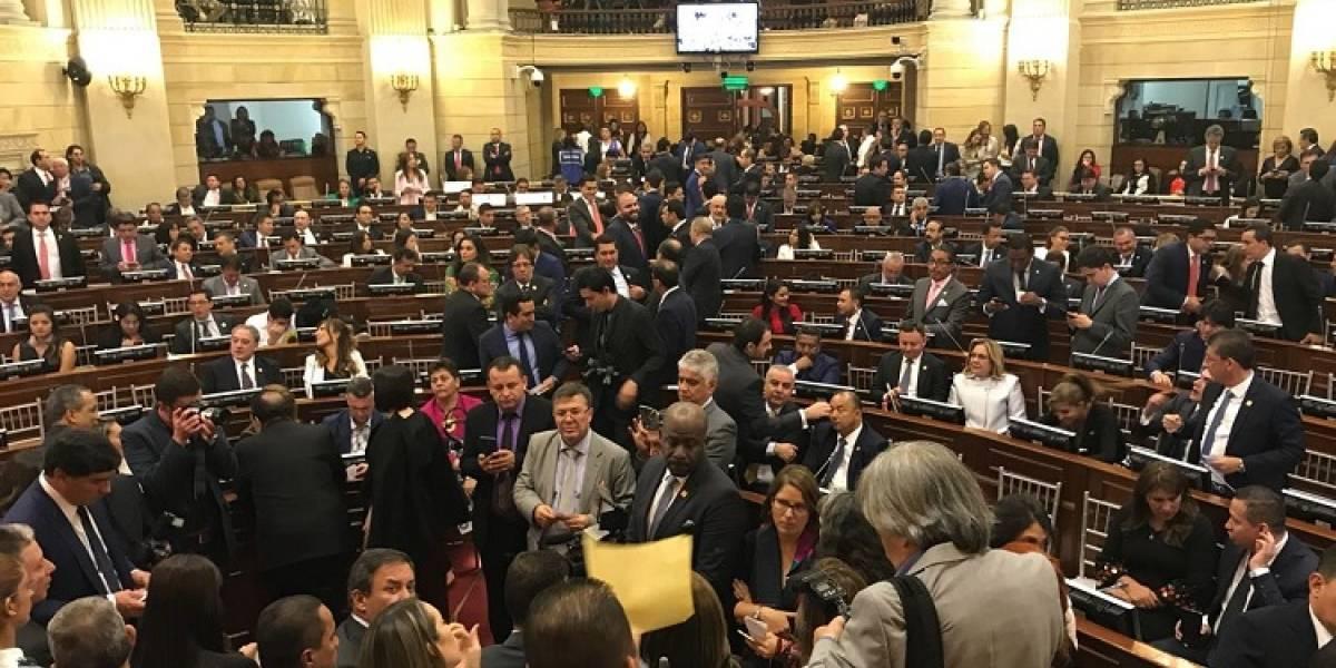 En discusión de reforma política, proponen aumentar el número de congresistas en Colombia
