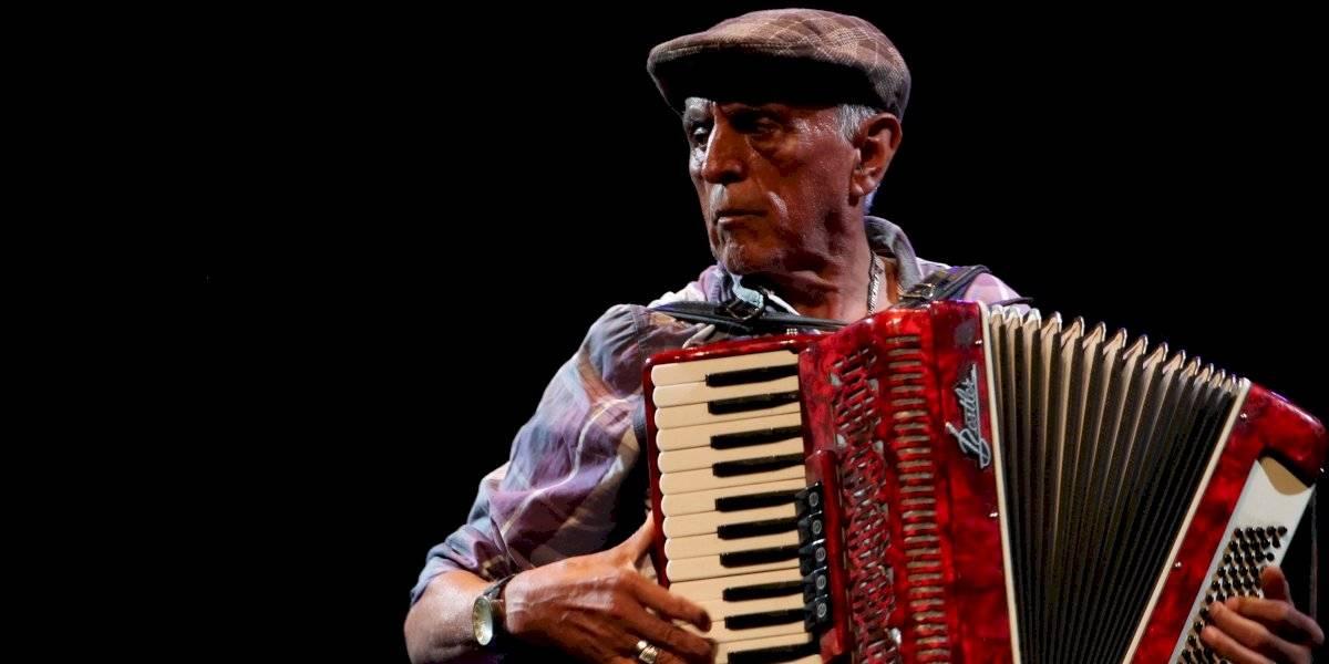 Leonel Stuardo, el abuelo acordeonista que es furor en internet dará concierto gratuito