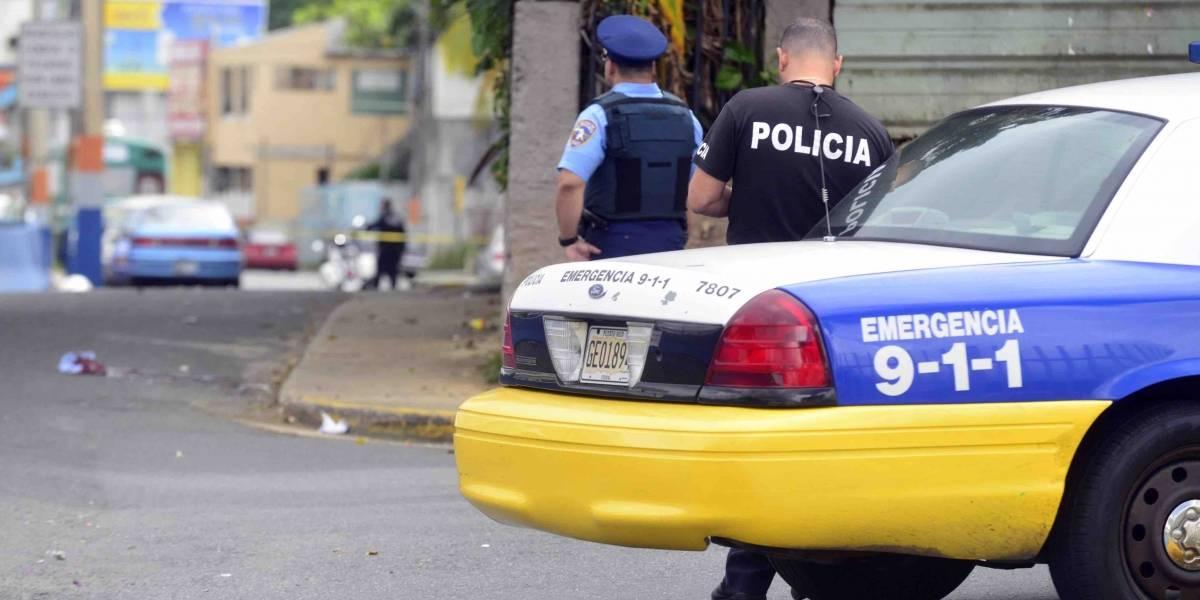 Presentan cargos contra mujer por agredir a policía en Moca
