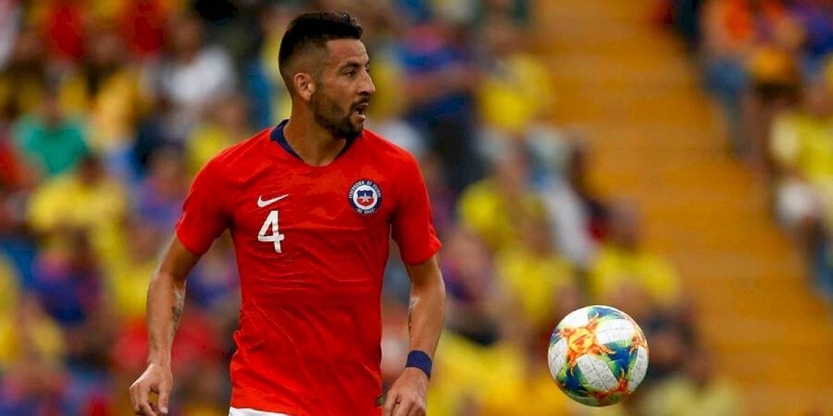 Más problemas para Rueda: Mauricio Isla no estará ante Uruguay y queda en duda para el duelo ante Colombia