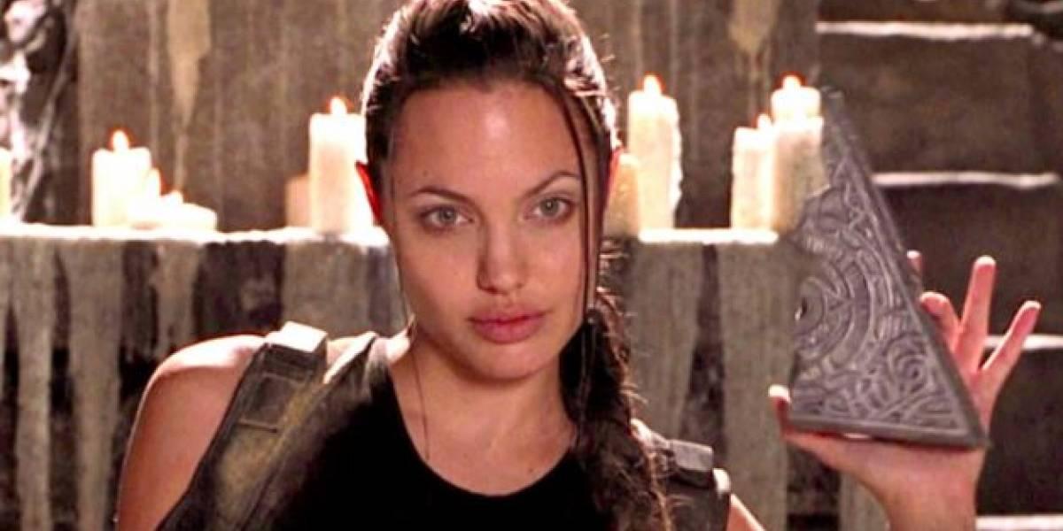Angelina Jolie enamora con su elegancia en una falda lápiz y un blazer plisado encantador