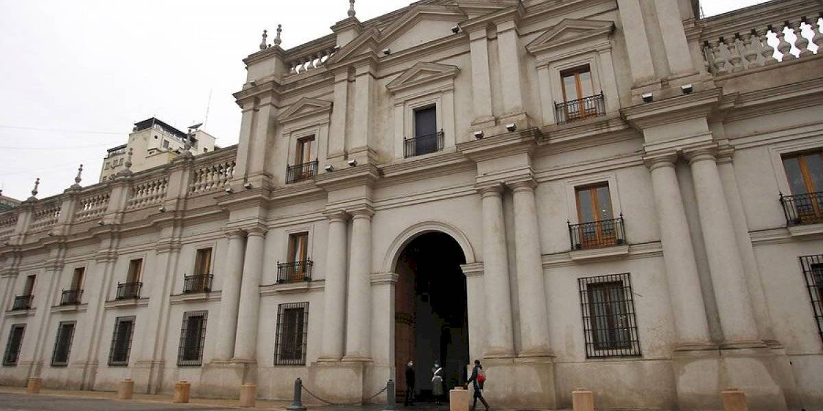 Presidencia informa tres casos de covid en La Moneda: Piñera no tuvo contacto estrecho con funcionarios contagiados