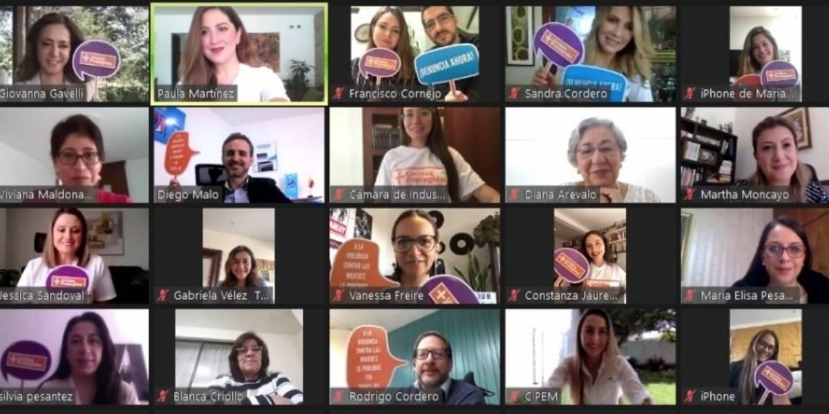 Campaña a favor de las mujeres se impulsa en Cuenca