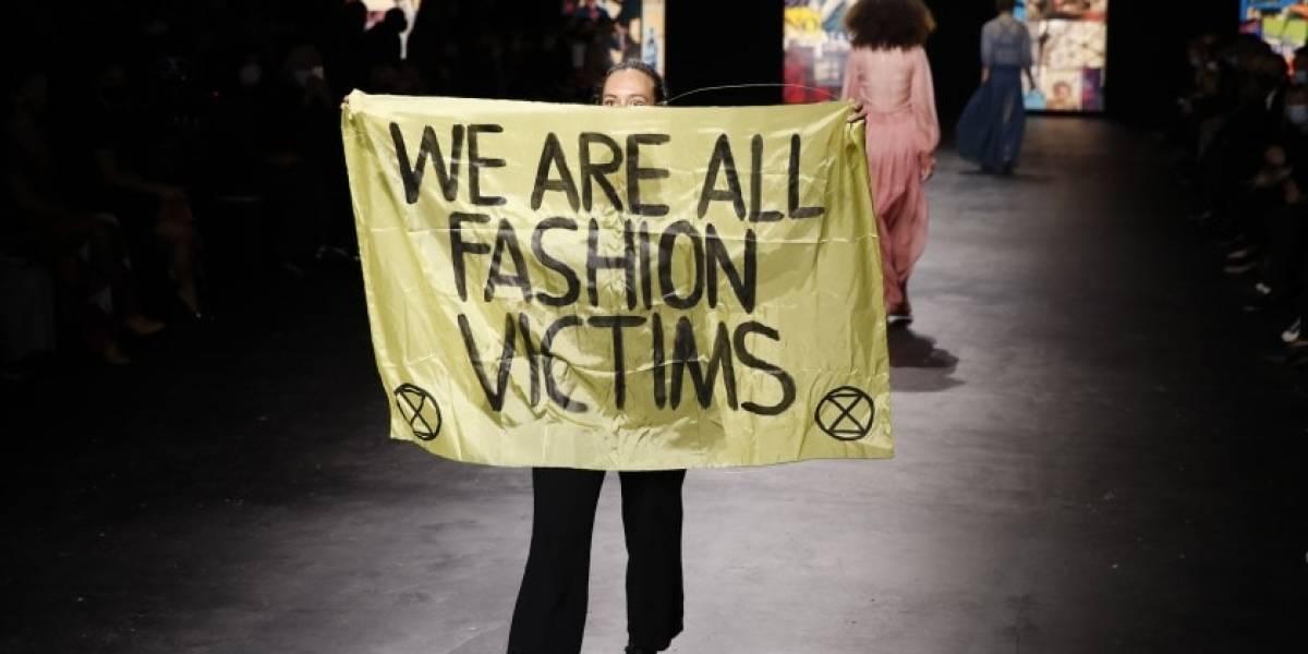 5 imágenes de este pandémico mes de la moda para la posteridad