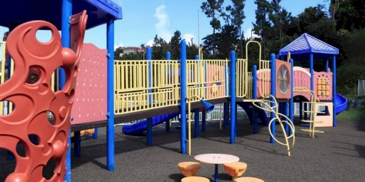 Inauguran área de juegos para niños con necesidades especiales en Barranquitas