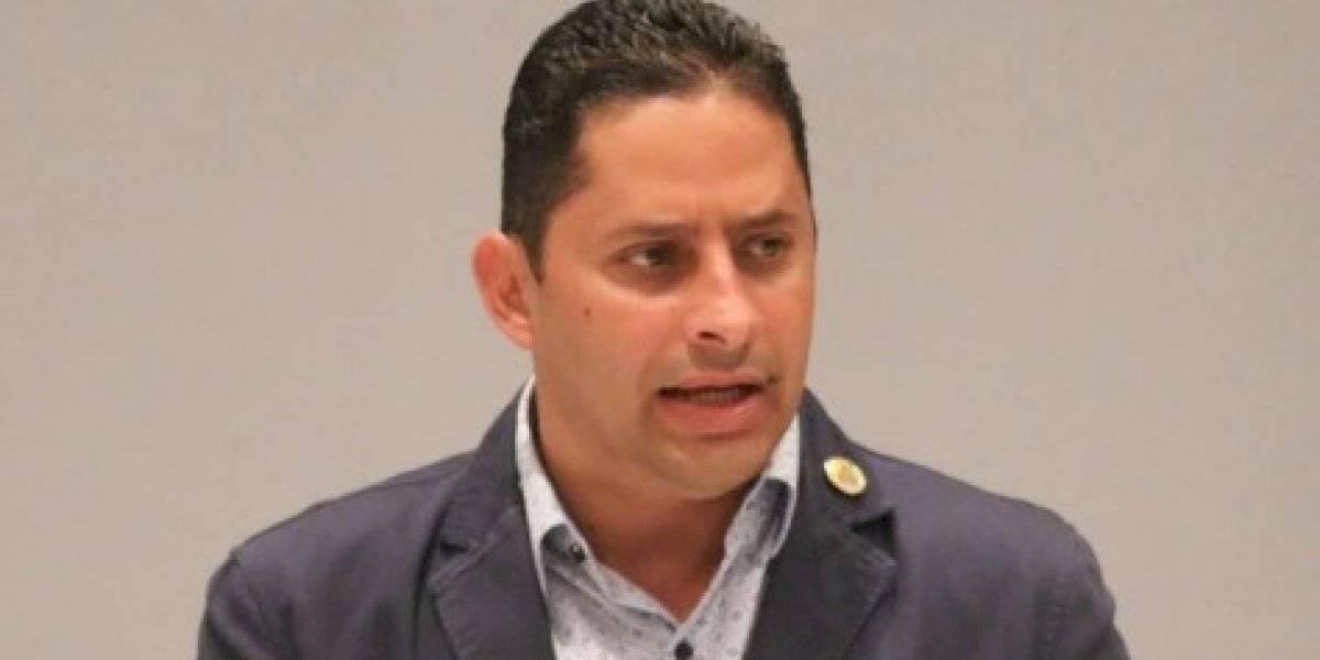 Alcalde de Arecibo rechaza que el municipio deba $45 millones a la AEE