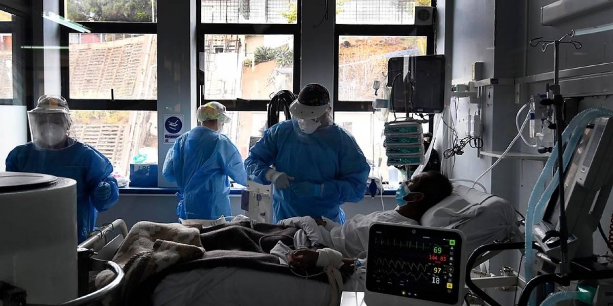 Autoridades en alerta: 25% del personal en clínicas está con licencia y casos covid aumentan