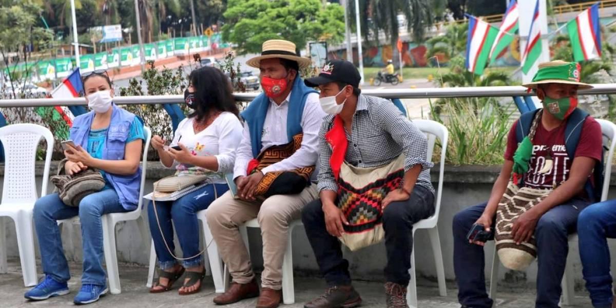 Senadores uribistas piden que indígenas se disculpen por violar normas de bioseguridad en la minga