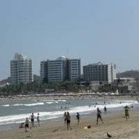Olas moderadas en playas de Ecuador durante el feriado de noviembre