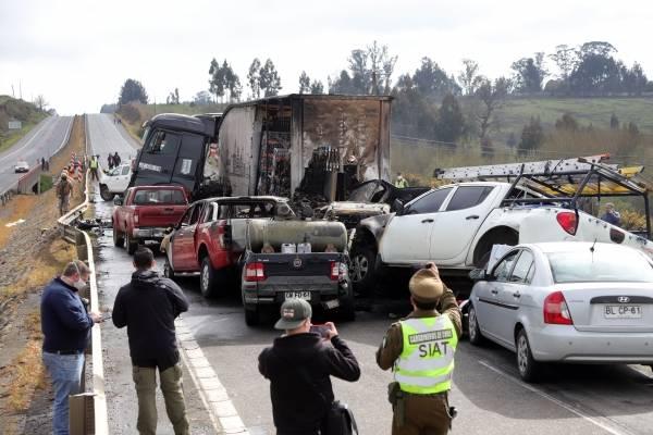 """El impactante relato de conductor en accidente de Victoria: """"Se sentían los gritos de las personas"""""""