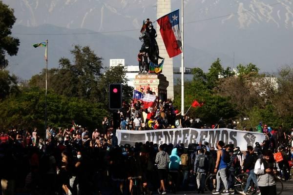 Plaza Italia registra la manifestación con mayor cantidad de gente desde el inicio de la pandemia