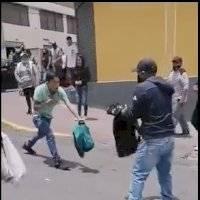 Quito: dos sujetos protagonizaron una pelea con cuchillos en el sector de San Roque