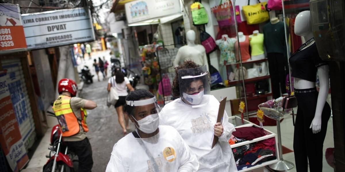 En Brasil el presidente Bolsonaro rechaza imponer confinamiento contra COVID