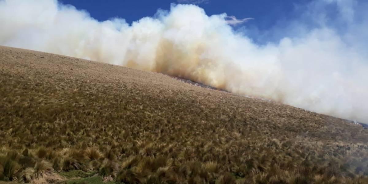 Condiciones climáticas adversas durante labores de mitigación del incendio en Reserva Ecológica Antisana