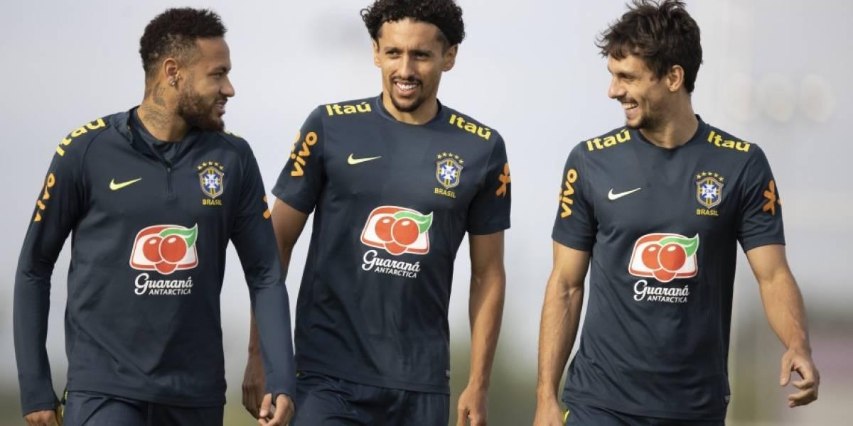 Tite exalta maturidade de Neymar antes da partida contra o Peru