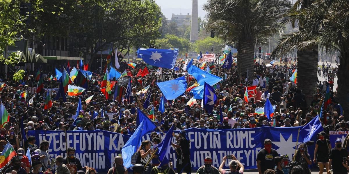 Marcha de pueblos originarios termina con violentos incidentes y 14 detenidos