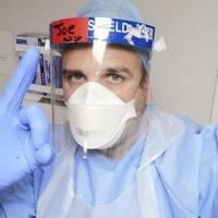 Voluntario se puso la vacuna de Oxford y contrajo COVID-19