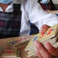 Dos casos positivos de COVID-19 en niños de escuela que retomó clases presenciales