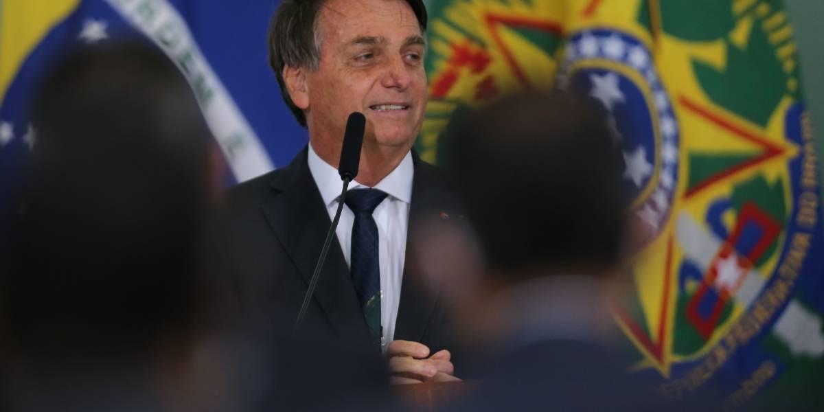Bolsonaro volvió a comparar a Argentina con Venezuela y mostró una foto