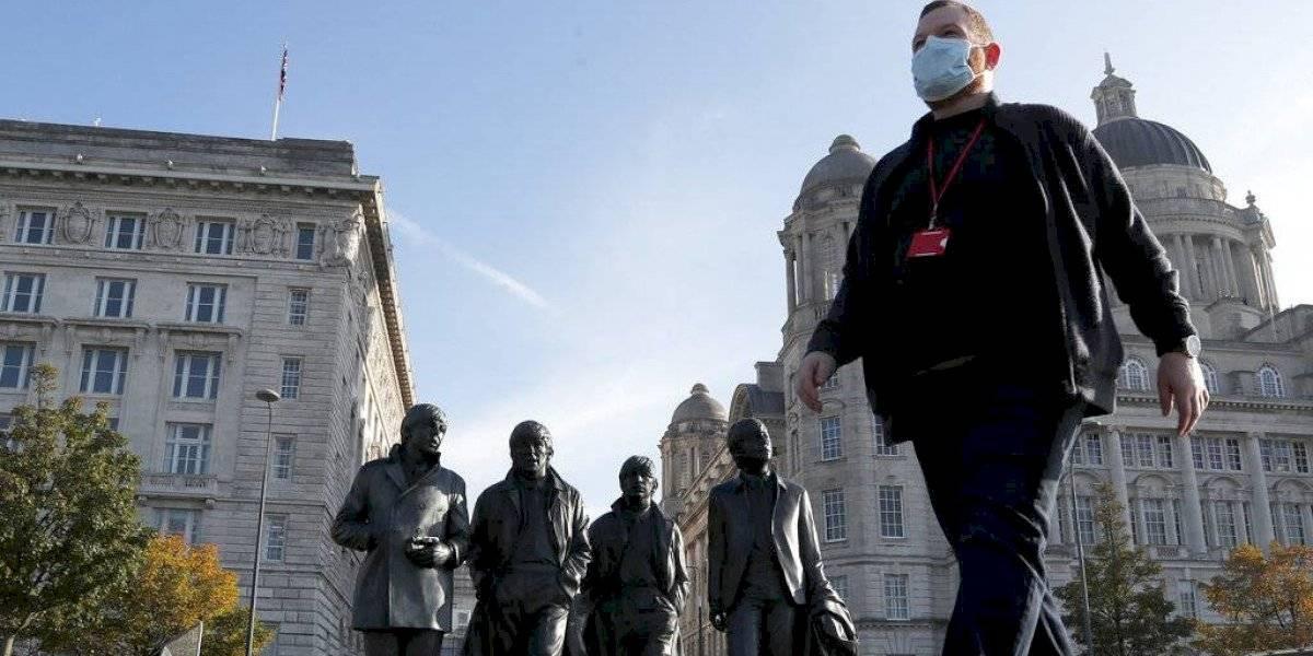 Irlanda del Norte cierra escuelas para combatir el COVID-19