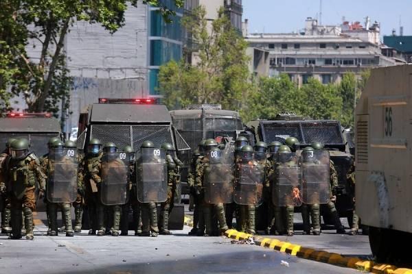 """Gobierno responde informe de Amnistía Internacional: """"Carabineros no tiene una política de usar la fuerza para castigar manifestantes"""""""