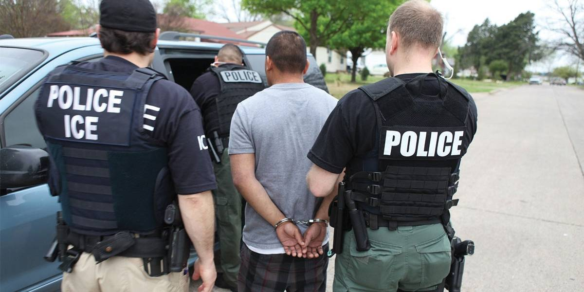 Deportaciones exprés: lo que se sabe de la práctica que sacaría del país a indocumentados
