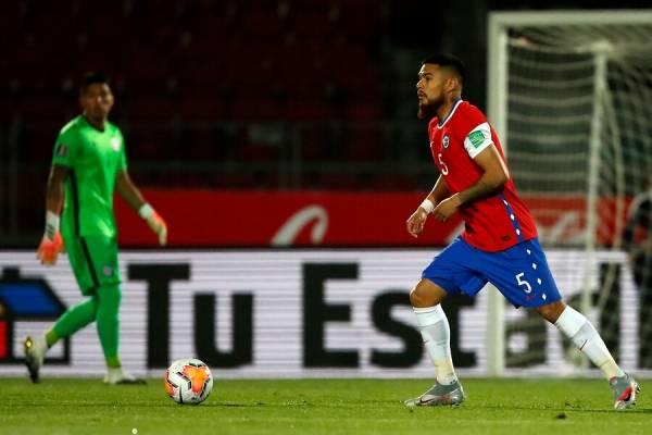 """Paulo Díaz y dichos de Sánchez: """"Vienen jugadores nuevos, no sé qué estará viendo Alexis"""""""
