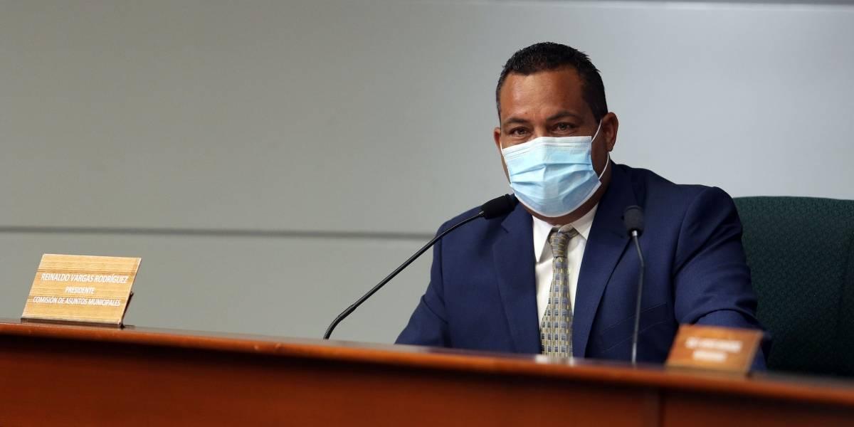 Citarán so pena de desacato a presidente de Cementerio Toñito Flores en Humacao