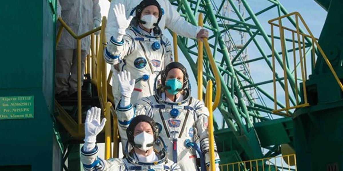 La NASA y Rusia con el Soyuz MS-17 logran el primer vuelo tripulado de la historia que llega a la Estación Espacial Internacional en 3 horas.