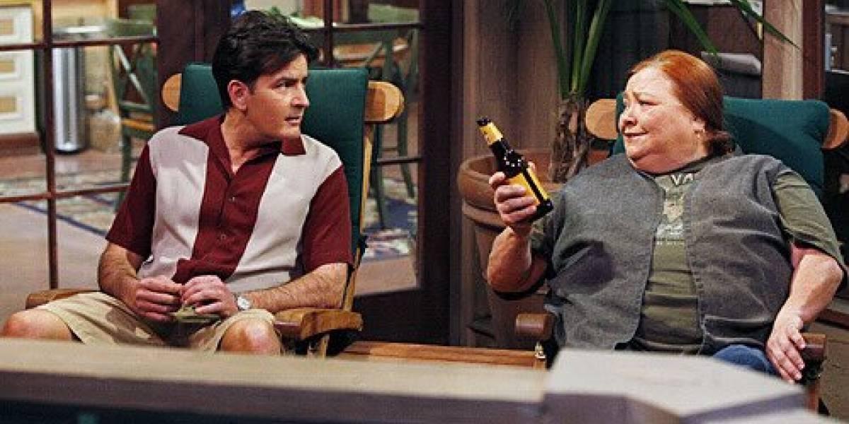 "Emotiva despedida de Charlie Sheen tras muerte de actriz de ""Two and Half Men"""