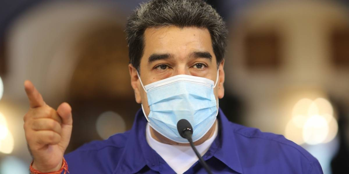 """Nicolás Maduro presenta una molécula que """"elimina 100% el coronavirus"""""""