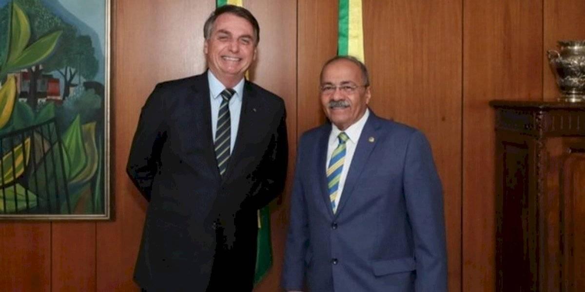 Bolsonaro y sus amigos: pillan a senador con dinero escondido en los calzoncillos