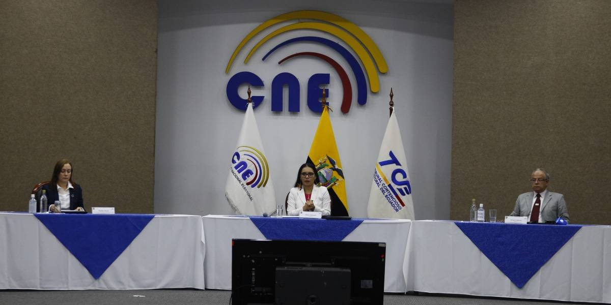 CNE: Dos binomios presidenciales más califican para las elecciones de 2021