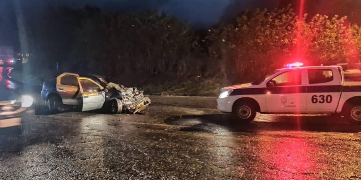 Un fallecido y dos heridos dejó un accidente de tránsito en la Alóag-Santo Domingo
