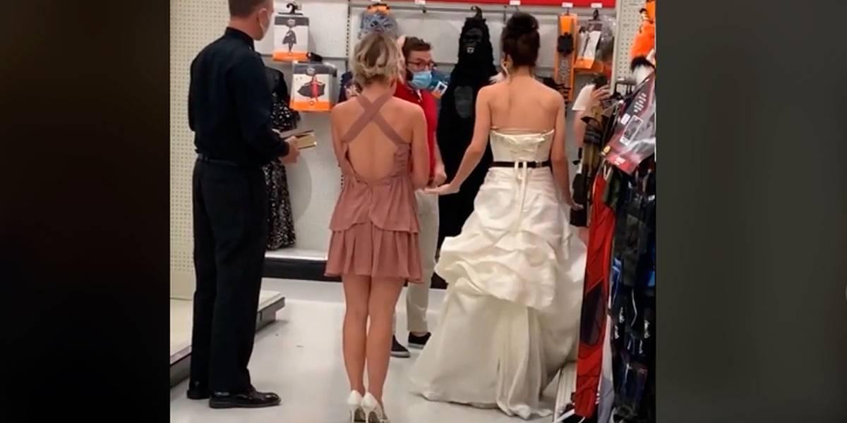 Vídeo: Mulher vestida de noiva 'enquadra' namorado no trabalho e o obriga a casar