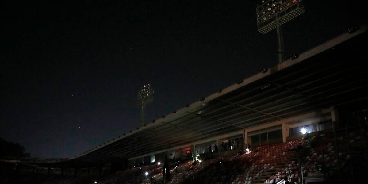 Corte de luz en el estadio de La Granja por un incendio suspendió el partido de la UC y Curicó Unido