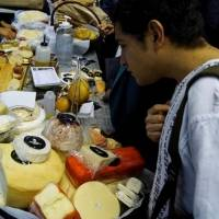 """""""Agarramos mal paradas"""" a marcas de queso; ni habían leído la ley: Profeco"""