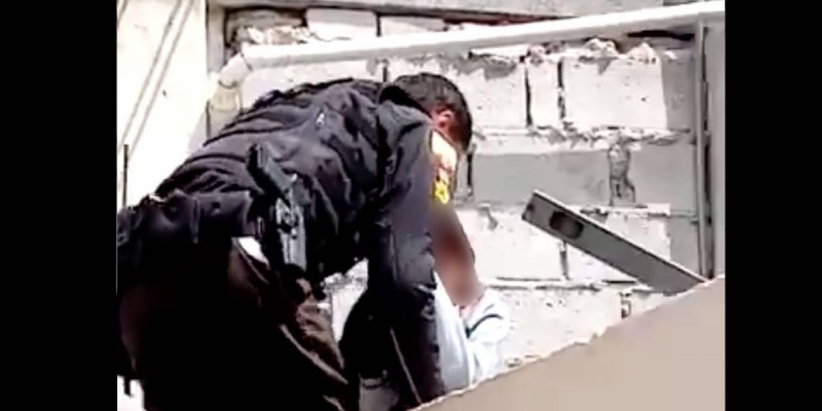 Quito: Policía evitó que adolescente se lance de una terraza en La Magdalena